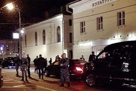 Алину Кабаеву видели в Москве под охраной автоматчиков